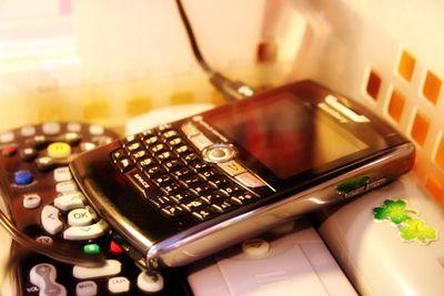 24mar11-phone